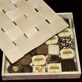 Caja de bombones con tapadera